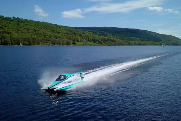 Aerial drone photograph of world electric waterspeed water speed record vector jaguar coniston world record hovershotz cumbria lake district battery-powered V20E
